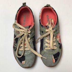 Diesel Akita Leather Sneakers Size 8